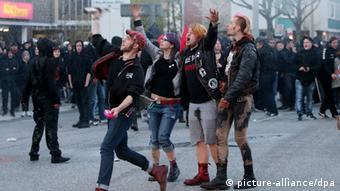 Активисты левацкой группы провоцируют полицию в Гамбурге