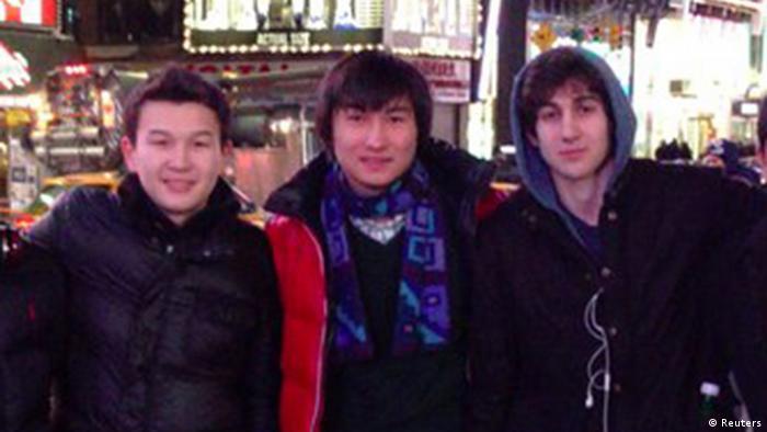Слева направо: Азамат Тажаяков, Диас Кадырбаев, Джохар Царнаев