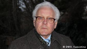 Волонтеры  и власти  ухаживают за могилами советских воинов в Германии