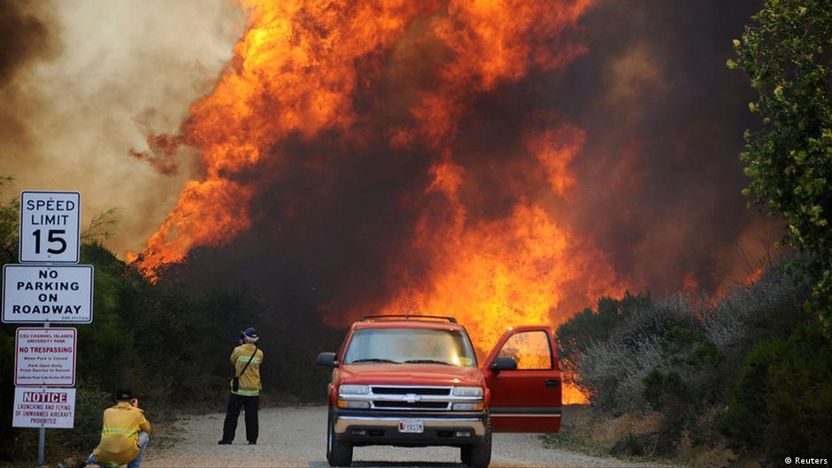 Wildfires spread in southern California | DW | 04.05.2013