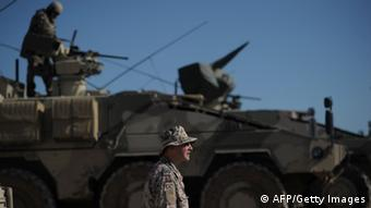 Deutsche Soldaten auf Panzern (Foto: Getty Images)