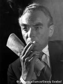 Portrait of German writer Erich Kästner from April 15, 1955