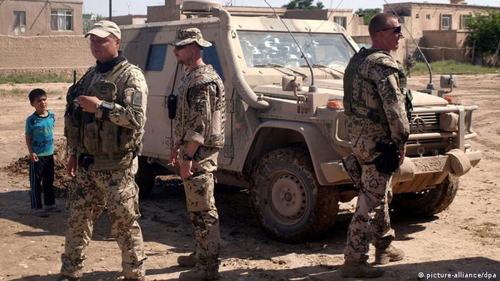 Kontrollposten der Bundeswehr in Masar-i Scharif. (Foto: EPA/SAYED MUSTAFA)