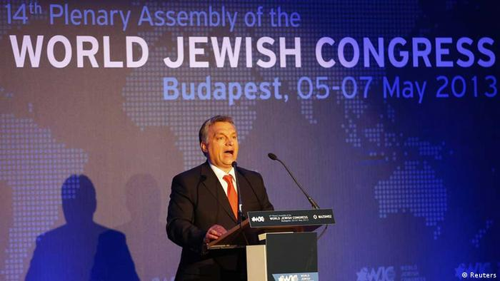 Hungarian Prime Minister Viktor Orban delivers a speech during the 14th Plenary Assembly of the World Jewish Congress in Budapest May 5, 2013. Hundreds of Jewish leaders gathered in Budapest for a three-day meeting to discuss a rise in far-right extremism and anti-Semitism in Europe, including Hungary. REUTERS/Laszlo Balogh (HUNGARY - Tags: POLITICS RELIGION) // eingestellt von se
