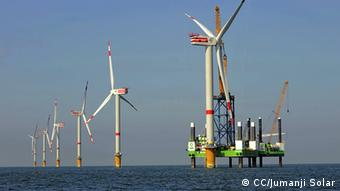 (Photo: CC/Jumanji Solar http://www.flickr.com/photos/jumanjisolar/4378071292/) http://creativecommons.org/licenses/by/2.0/deed.de Aufbau Offshore-Windpark Thornton Bank, Belgien 1.Phase, 6 x Repower 5M für Repower Systems AG 19.9.2008 (c) Foto: Jan Oelker/Repower + info: jumanjisolar.blogspot.com