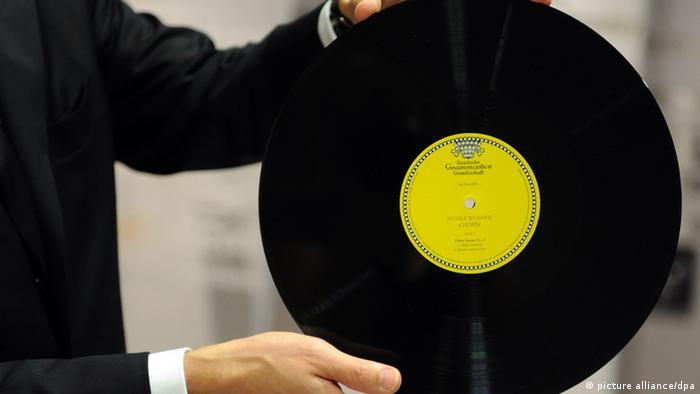 Eine Schallplatte der 'Deutsche Grammophon Gesellschaft' (Foto: dpa)