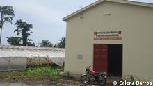 1. Titel: Cooperation São Tomé - Taiwan 2. Bildbeschreibung: Cooperation with Taiwan finances infrastructure and dryer for farmers in Obô Morro 3. Fotograf: Edlena Barros 4. Wann wurde das Bild gemacht: 05.05.2013 5. Wo wurde das Bild aufgenommen: São Tomé (São Tomé e Príncipe) 6. Schlagwörte: Cooperation, São Tomé e Príncipe, Taiwan