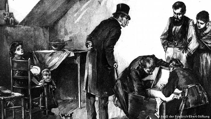 In a black-and-white living room setting dating from 1879, the drawn figure of a man wearing a top hat looks on while a chest is investigated by a German authority wearing a helmet. (Photo:© AdsD der Friedrich-Ebert-Stiftung / Eva.Vary[at]fes.de)