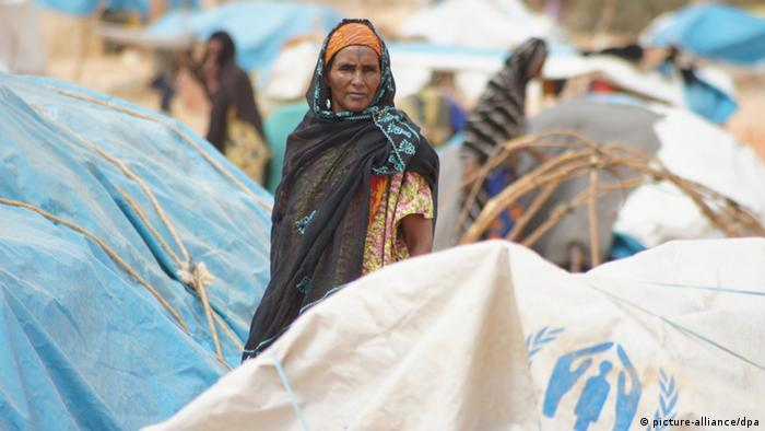 Woman in an UNHCR camp in Niger to shelters those fleeing hunger in Mali, 2012