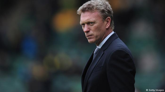 NORWICH, ENGLAND - FEBRUARY 23: David Moyes of Everton looks on during the Barclays Premier League match between Norwich City and Everton at Carrow Road on February 23, 2013 in Norwich, England. (Photo by Jamie McDonald/Getty Images)