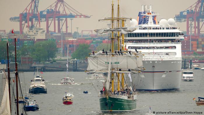 824. Hamburger Hafengeburtstag