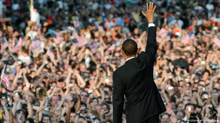 Obama at the Siegessäule in Berlin in 2008. Photo: dpa