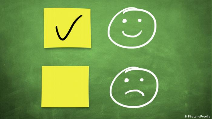 Smiley and frown faces, Copyright: Photo-K/Fotolia