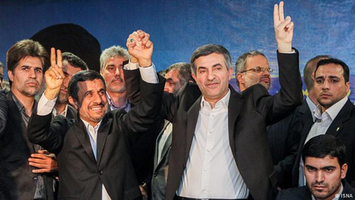 اسفندیار رحیممشایی با همراهی احمدینژاد در وزارت کشور حاضر شد