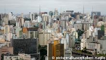 Bildergalerie Megacities Sao Paulo (picture-alliance/Robert Hardin)
