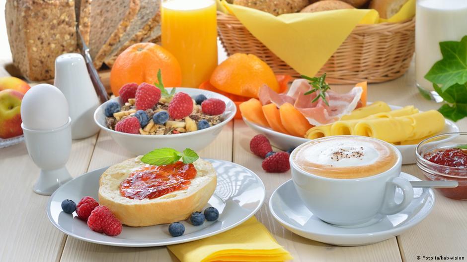 الاستغناء عن وجبة الفطور هل هو مضر بالصحة منوعات نافذة Dw عربية على حياة المشاهير والأحداث الطريفة Dw 10 12 2015