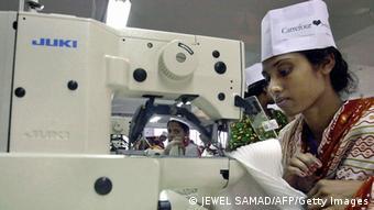 Bangladesch Industriepark Ashulia Frauen Arbeiterin