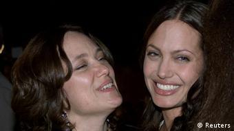 آنجلینا جولی مادرش را در سال ۲۰۰۷ از دست داد
