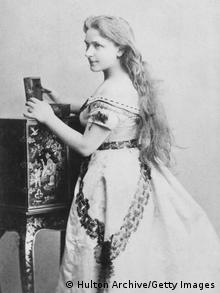 German actress Christine Wilhelmine 'Minna' Planer (1809 - 1866), first wife of German composer Richard Wagner, circa 1830. (Photo by Hulton Archive/Getty Images)