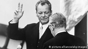 Willy Brandt bei seiner Vereidigung zum Bundeskanzler