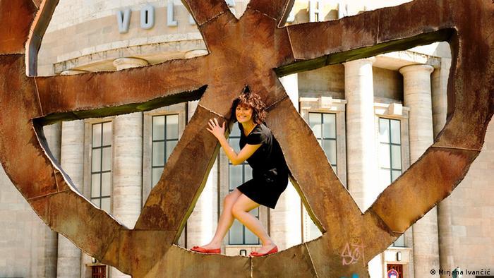 Mirjana Ivančić pozira na ulici u Berlinu