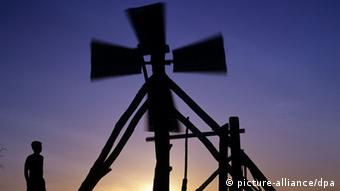 Windmühle in Canoa Quebrada (Foto: Werner Rudhart/dpa/ef)
