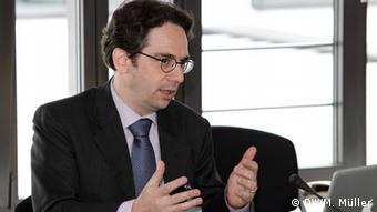 Stefan Gsänger stellt in der DW den World Wind Energy Report vor