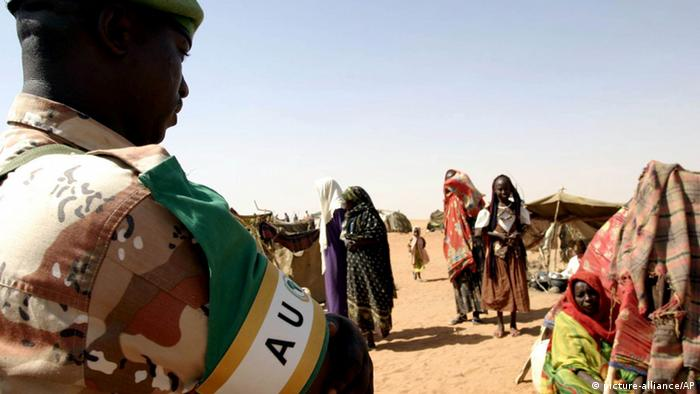 AU-Soldaten in Darfur . (AP Photo/Jose Cendon)