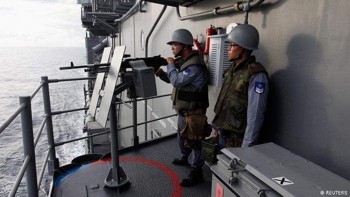 台湾海军在演习中