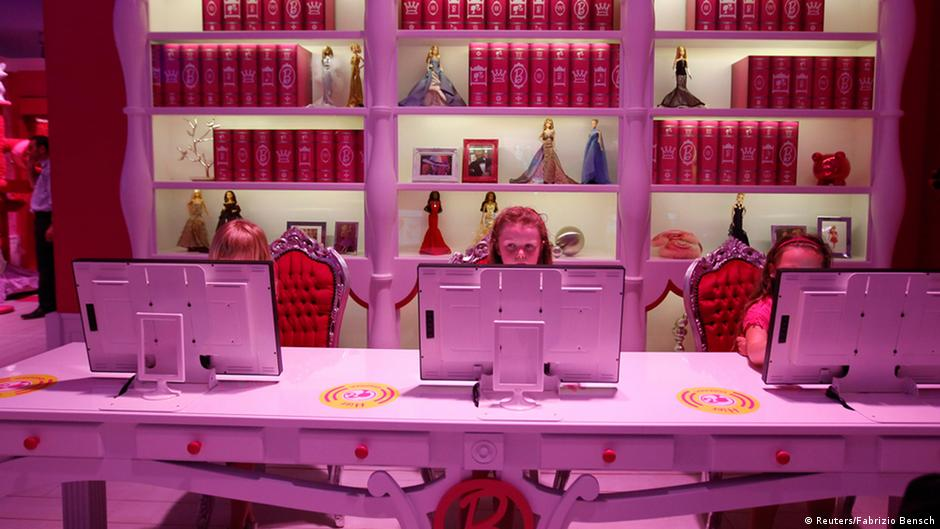 Causing a pink stink at the barbie dreamhouse germany for How much does it cost to move to germany