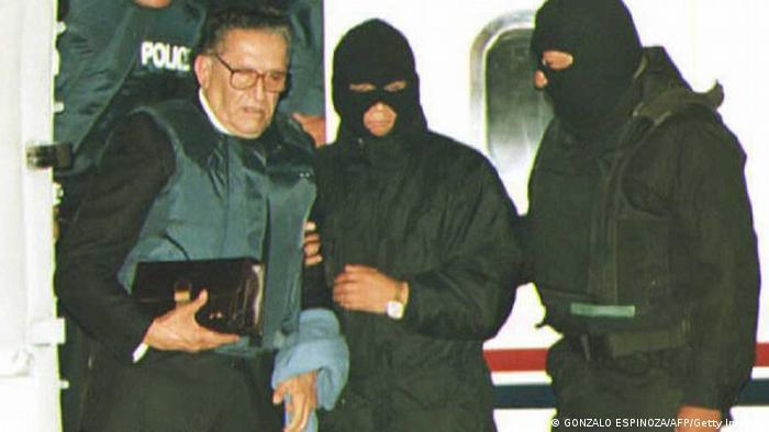 El dictador Luis García Meza, extraditado de Brasil a La Paz.