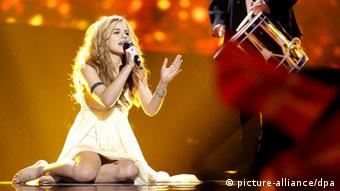 Singer Emmelie de Forest performing on stage at Eurovision Photo: Joerg Carstensen/dpa +++(c) dpa - Bildfunk+++