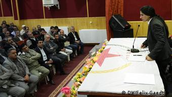 Asya Muhammed Abdullah PYD Politikerin (c) DW/Felix Gaedtke 05/2013 Partei der Demokratischen Union ist eine kurdische Partei in Syrien