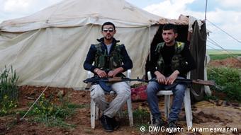 YPG Fighters by Gayatri Parameswaran (c) DW/Gayatri Parameswaran 05/2013