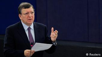 Archiv: EU-Kommissionspräsident Jose Barroso spricht im Europäischen Parlament May 21, 2013. REUTERS/Vincent Kessler (FRANCE - Tags: POLITICS)