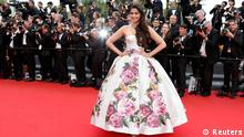Actress Sonam Kapoor poses on the red carpet as she arrives for the screening of the film 'Jeune & Jolie' (Young & Beautiful) in competition during the 66th Cannes Film Festival in Cannes May 16, 2013. REUTERS/Eric Gaillard (FRANCE - Tags: ENTERTAINMENT)