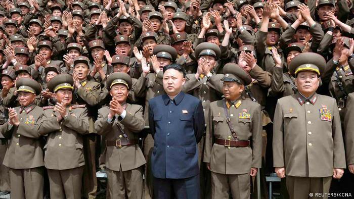 Nordkorea Kim Jong-Un besucht Armee
