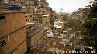 Favela in Brasilien (Foto: picture-alliance/dpa)