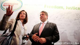Στιγμιότυπο από επίσκεψη της Άννας Διαμαντοπούλου στη Γερμανία το 2013 και συνάντηση με τον τότε πρόεδρο του SPD Ζίγκμαρ Γκάμπριελ