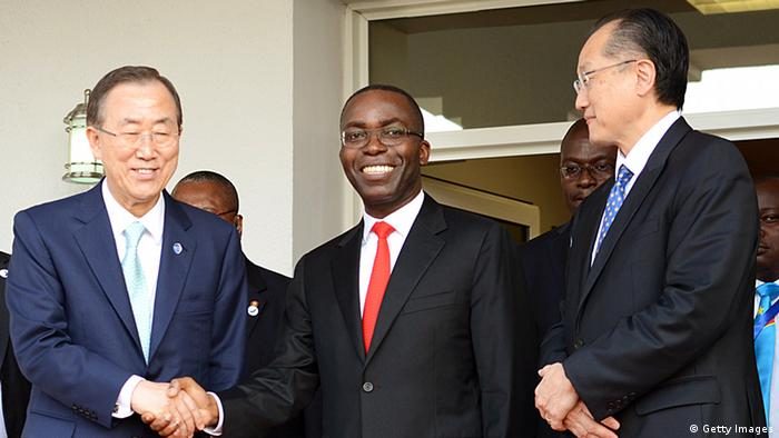 Democratic Republic of Congo Prime Minister Matata Ponyo is flanked by UN secretary general Ban Ki-moon and World Bank President Jim Yong Kim (Photo: Junior D. Kannah/AFP/Getty Images)