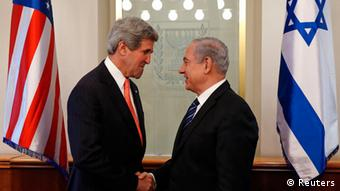 U.S. Secretary of State John Kerry (L) meets with Israeli Prime Minster Benjamin Netanyahu in Jerusalem May 23, 2013. REUTERS/Jim Young (ISRAEL - Tags: POLITICS TPX IMAGES OF THE DAY)