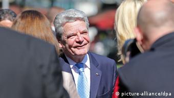Rais wa Ujerumani Joachim Gauck akiwasili katika sherehe za SPD mjini Leipzig, mashariki mwa Ujerumani.