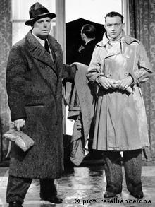 Szene aus DIE SPIELREGEL mit Roland Toutain und Jean Renoir (Foto: dpa)