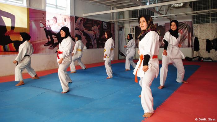 این مجتمع ورزشی زیر نام «بنیاد ورزشی فرهنگی افغانستان» فعالیت می کند.