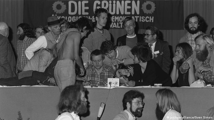 A Greens party convention in Dortmund, 23.06.1980. Photo: picture-alliance/Sven Simon