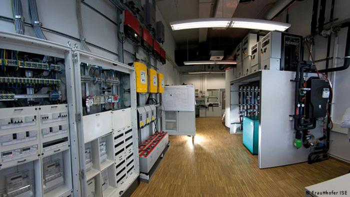 The Smart Energy Lab at the Fraunhofer Institute (Copyright: Richard Fuchs / DW)
