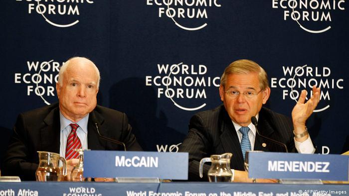 Сенатори МакКейн (л) та Менендез (п). Архівне фото