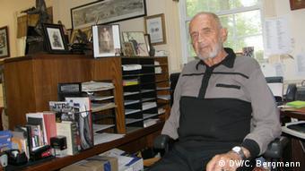 Weber sitting at his desk DW/C. Bergmann