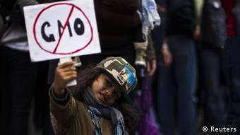 Anti-Monsanto demonstration Photo: REUTERS/Eduardo Munoz