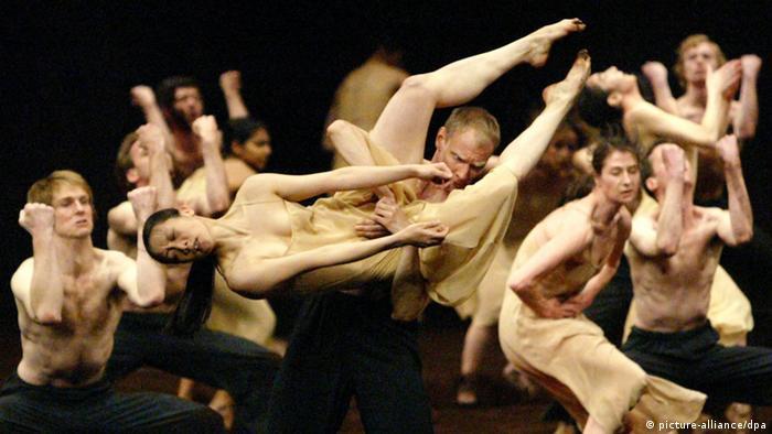 Companhia De Dança De Pina Bausch Completa 40 Anos Cultura